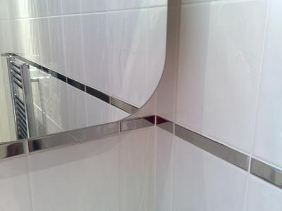 Private Client - HB - Bathroom mirror with polished chrome border